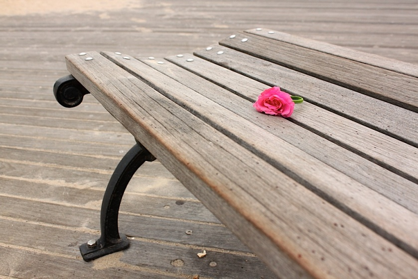 20090825post-benched