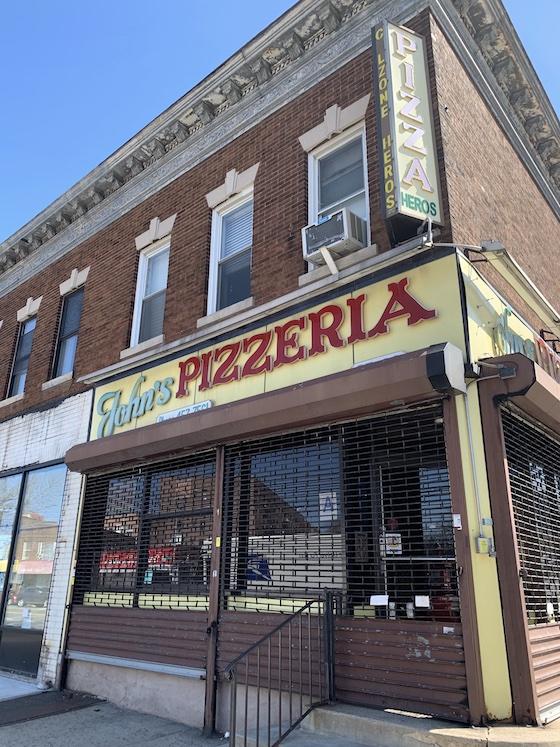 20210326post-john's pizzeria-20210321_6536L